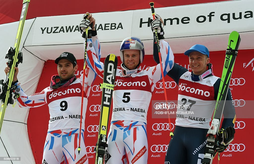 FIS Ski World Cup 2015/2016 6th men's giant slalom winner Alexis Pinturault of France (C) poses with second placer Mathieu Faivre of France (L) and third placed Massimiliano Blardone of Italy (R) on the podium in Naeba, Niigata prefecture on February 13, 2016. AFP PHOTO / TOSHIFUMI KITAMURA / AFP / TOSHIFUMI KITAMURA