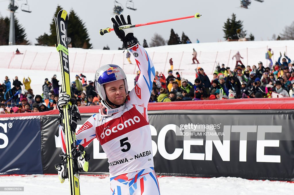 FIS Ski World Cup 2015/2016 6th men's giant slalom winner Alexis Pinturault of France acknowledges spectators while walking towards the podium in Naeba, Niigata prefecture on February 13, 2016. AFP PHOTO / TOSHIFUMI KITAMURA / AFP / TOSHIFUMI KITAMURA
