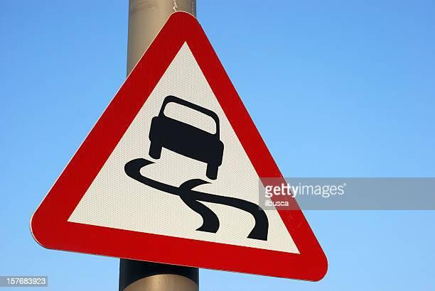 Ausrutschen Auto roadsign