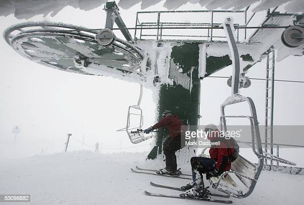 Summit Chair Lift mount hotham location stock photos and pictures | getty images