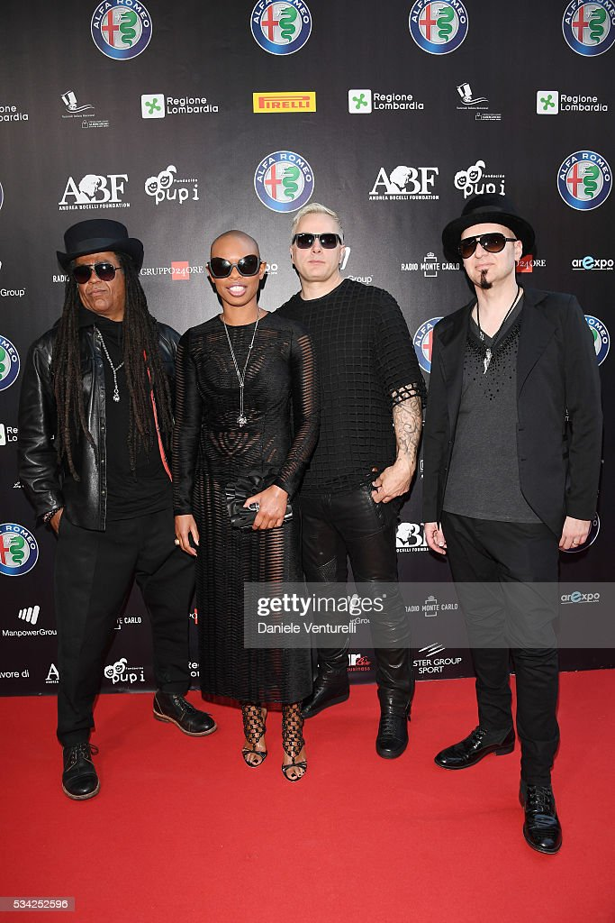 <a gi-track='captionPersonalityLinkClicked' href=/galleries/search?phrase=Skin+-+Chanteuse&family=editorial&specificpeople=5129372 ng-click='$event.stopPropagation()'>Skin</a> with the members of her band Skunk Anansie walk at Bocelli and Zanetti Night on May 25, 2016 in Rho, Italy.