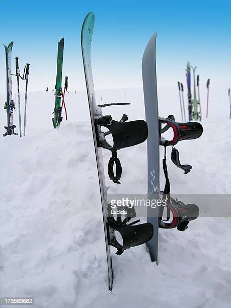 Skis & bindings