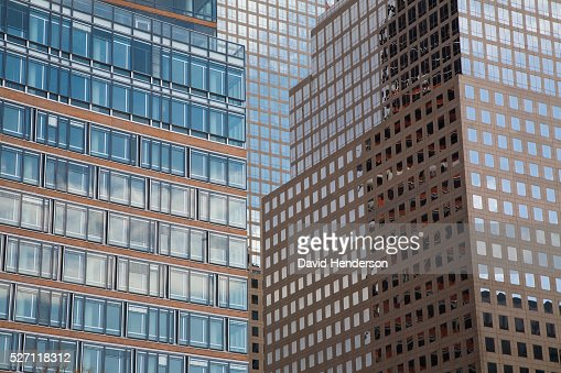 Sky reflecting in skyscraper windows : Stock Photo