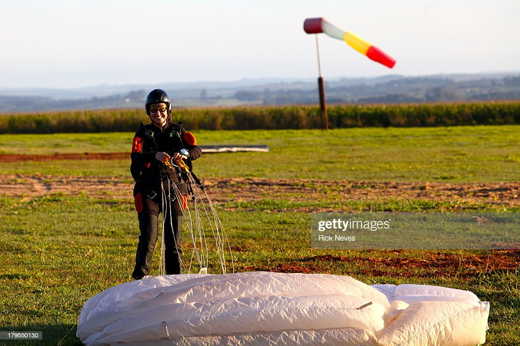 Skydiver girl : Stock Photo