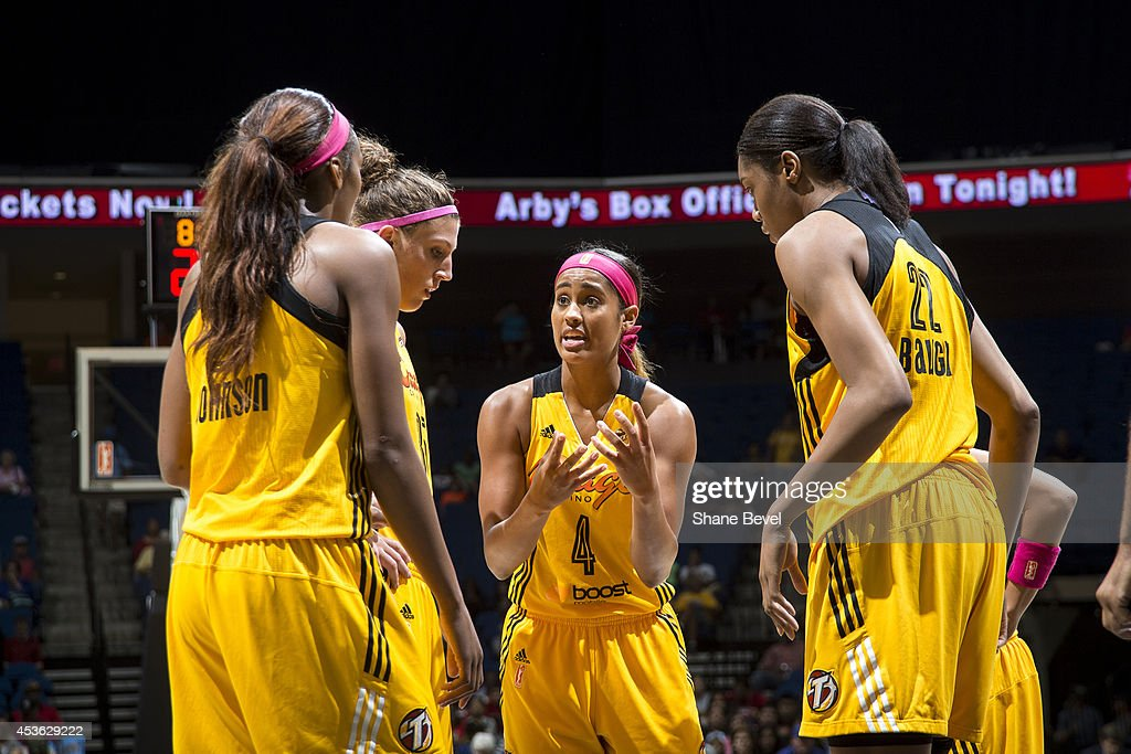 <a gi-track='captionPersonalityLinkClicked' href=/galleries/search?phrase=Skylar+Diggins&family=editorial&specificpeople=5791961 ng-click='$event.stopPropagation()'>Skylar Diggins</a> #4 of the Tulsa Shock huddles with teammates against the Atlanta Dream during the WNBA game on July 29, 2014 at the BOK Center in Tulsa, Oklahoma.