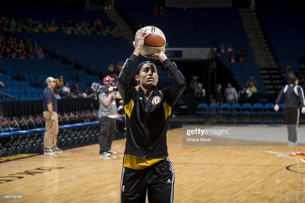 <a gi-track='captionPersonalityLinkClicked' href=/galleries/search?phrase=Skylar+Diggins&family=editorial&specificpeople=5791961 ng-click='$event.stopPropagation()'>Skylar Diggins</a> #4 of the Tulsa Shock warms up before the WNBA game against the San Antonio Stars on July 17, 2014 at the BOK Center in Tulsa, Oklahoma.