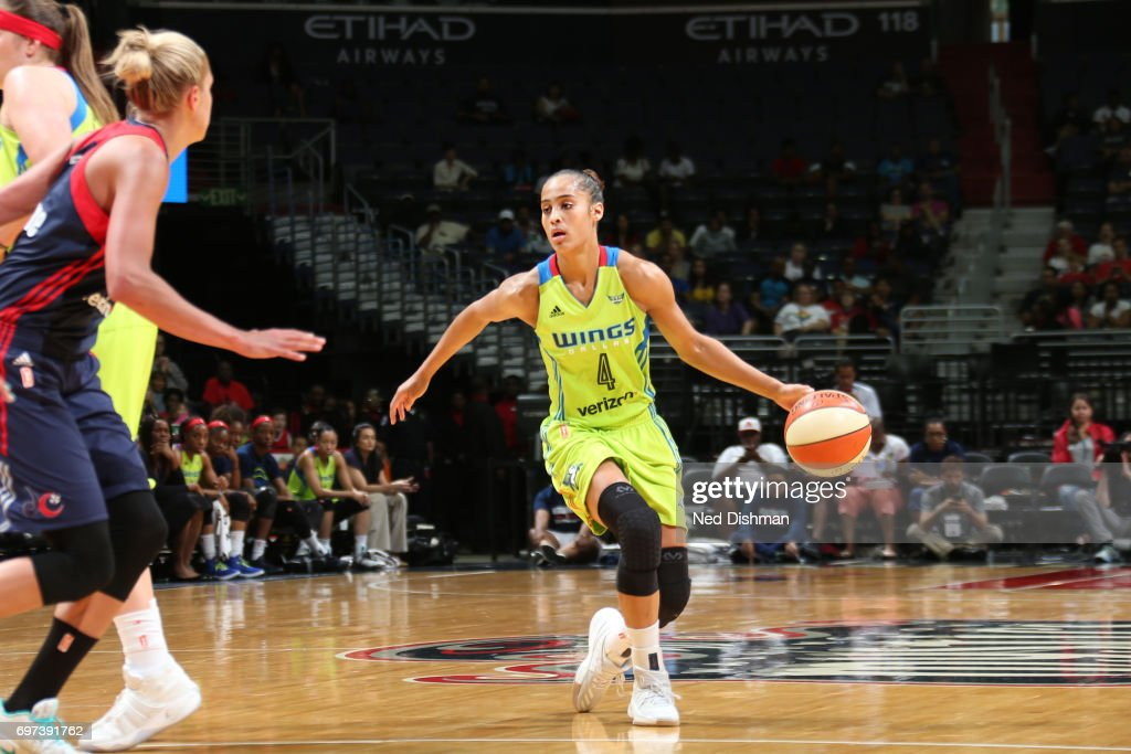 Skylar Diggins-Smith #4 of the Dallas Wings handles the ball during a game against the Washington Mystics on June 18, 2017 at the Verizon Center in Washington, DC.