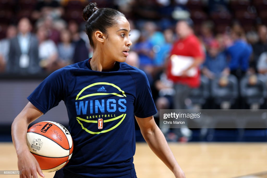 Skylar Diggins-Smith #4 of the Dallas Wings warms up before the game against the Connecticut Sun on August 12, 2017 at Mohegan Sun Arena in Uncasville, CT.