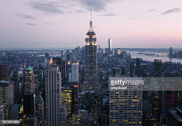 Skyline di Midtown Manhattan a New York City di notte