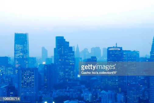 Skyline of Minato Ward at dusk, Tokyo Prefecture, Honshu, Japan : Stock Photo