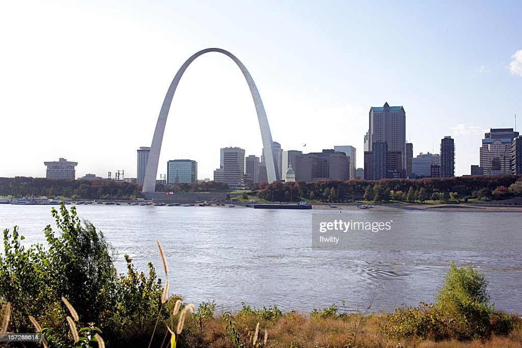 Skyline of St Louis by a river