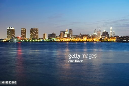 Skyline of the City of Philadelphia illuminated at dusk : Stock Photo