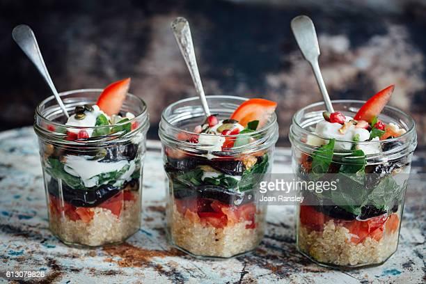 Skyr veggie pots with quinoa