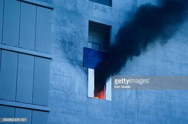 Skyscraper fire test flame deflectors, Canadian research Centre