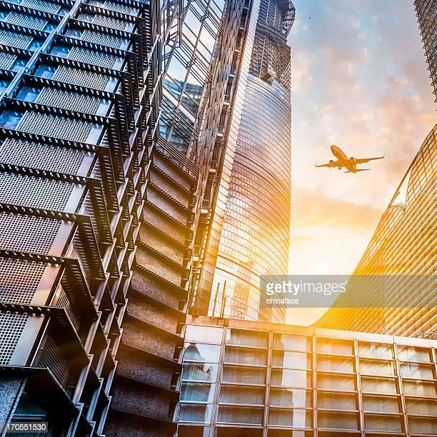 Gratte-ciel et avion