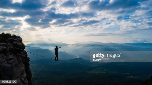 Slackline dans les montagnes