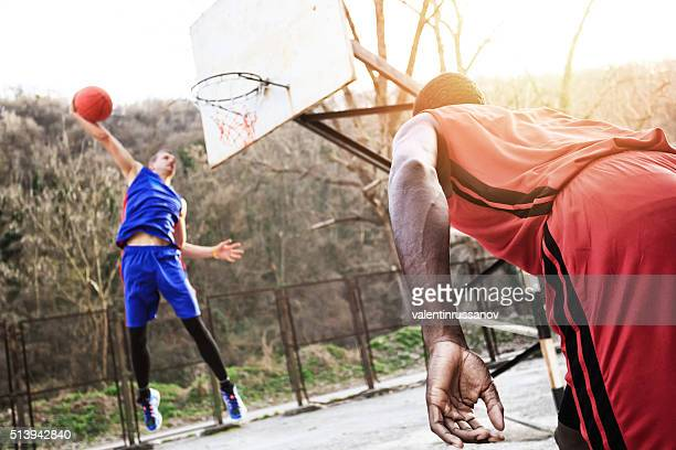 Golpe de Dunk en la calle baloncesto