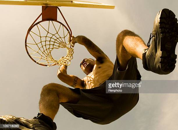 Dunk de baloncesto