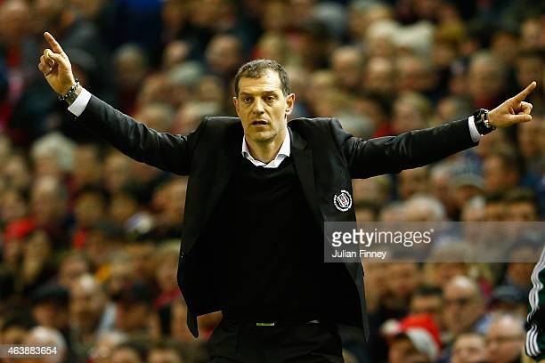 Slaven Bilic manager of Besiktas gives instructions during the UEFA Europa League Round of 32 match between Liverpool and Besiktas at Anfield on...