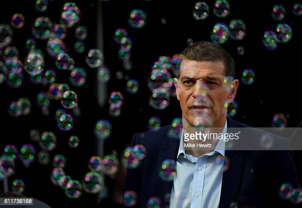 Slaven Bilic Manager of West Ham United looks on during the Premier League match between West Ham United and Middlesbrough at London Stadium on...