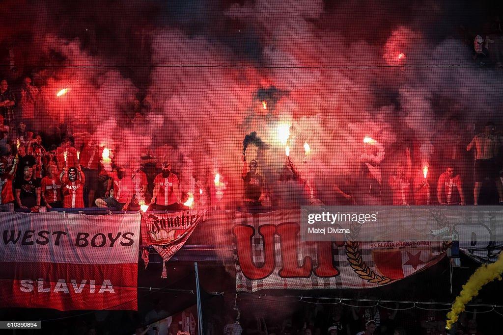 Slavia Prague fans support their team during the derby match against Sparta Prague at Generali Arena Stadium on September 25, 2016 in Prague, Czech Republic.