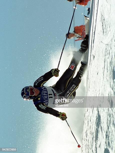 Sölden Ski Weltcup 2000/2001 Saison Eröffnung Riesenslalom der Herren der norwegische Skifahrer KjetilAndré Aamodt beim Riesenslalom der Herren in...