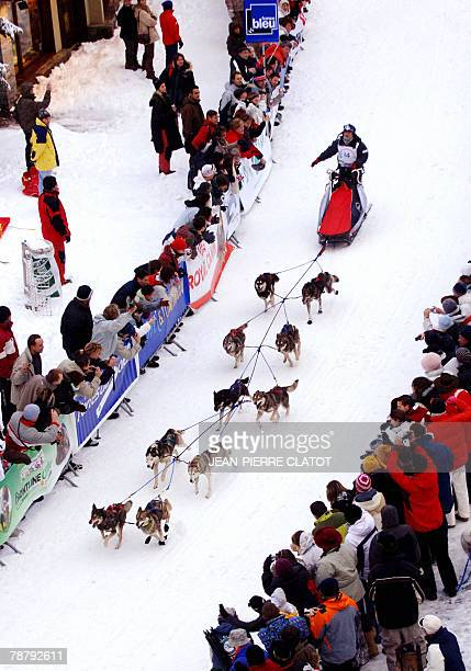 A sled leaves the start 06 January 2008 in the French ski resort of Avoriaz in 'La Grande Odyssee 2008' a twoweek race through the French and Swiss...