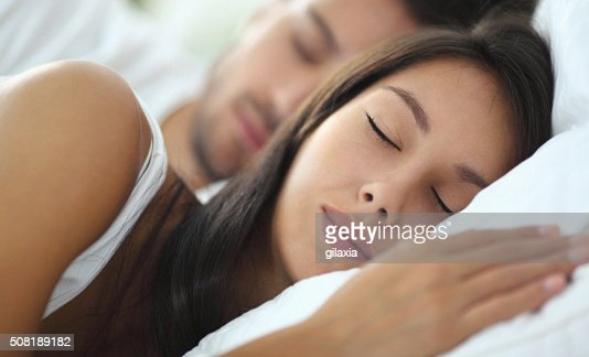 Casal dormir.