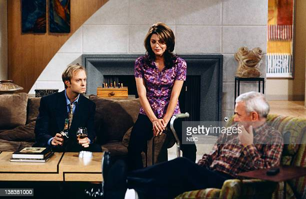 FRASIER 'Sleeping with the Enemy' Episode 6 Pictured David Hyde Pierce as Doctor Niles Crane Jane Leeves as Daphne Moon John Mahoney as Martin Crane