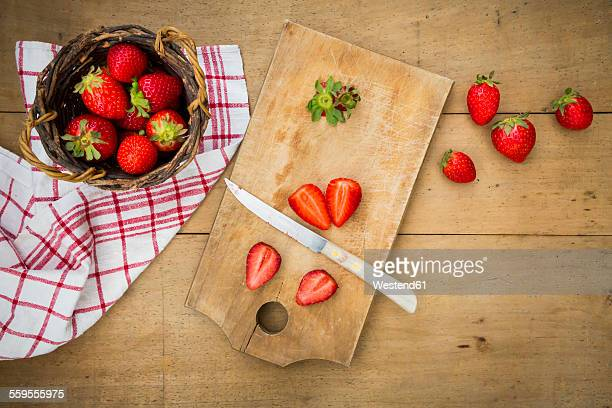 Sliced and whole strawberries