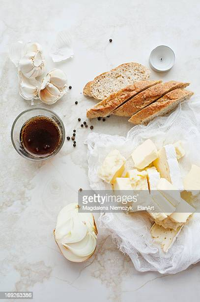 Sliced bread, butter and garlic