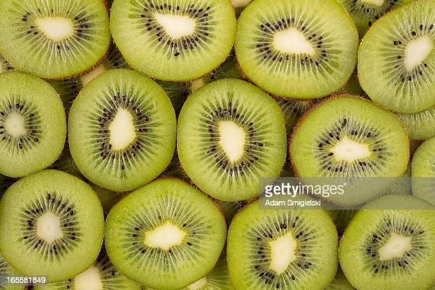 sliced kiwifruits