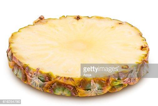 Fatias ananás isolado em fundo branco : Foto de stock