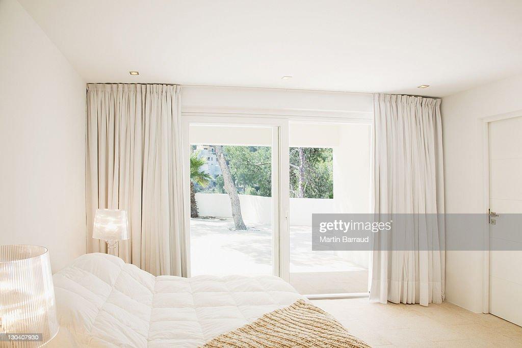 Sliding doors of modern bedroom : Stock Photo