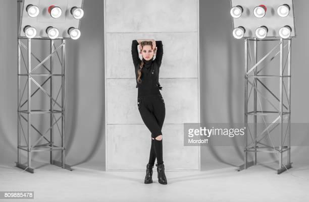 Slim danseuse. Vogue et Waacking Style