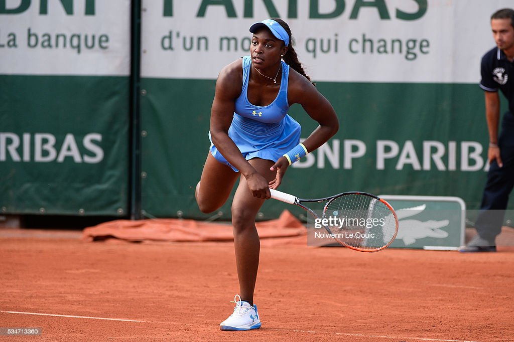 Sloane Stephens during the Women's Singles third round on day six of the French Open 2016 at Roland Garros on May 27, 2016 in Paris, France.