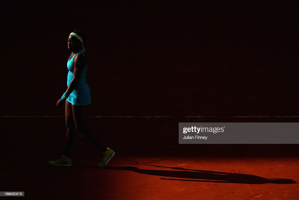 <a gi-track='captionPersonalityLinkClicked' href=/galleries/search?phrase=Sloane+Stephens&family=editorial&specificpeople=5510187 ng-click='$event.stopPropagation()'>Sloane Stephens</a> of USA walks to her seat in her match against Daniela Hantuchova of Slovakia during the Mutua Madrid Open tennis tournament at the Caja Magica on May 4, 2013 in Madrid, Spain.