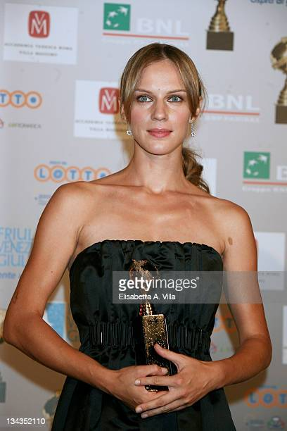 Slovak actress Antonia Liskova shows her award for the best actress during the 2008 'Globo D`Oro' Awards held Villa Massimo on July 2 2008 in Rome...