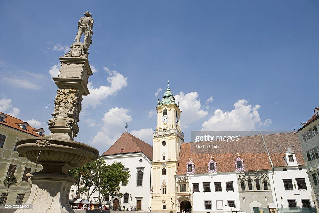 Slovakia, Bratislava, Hlavne Namestie : Stock Photo