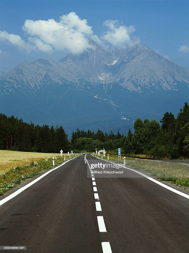 Slovakia, Tatranska Lomnica, open road in Upper Tatra region : Stock Photo