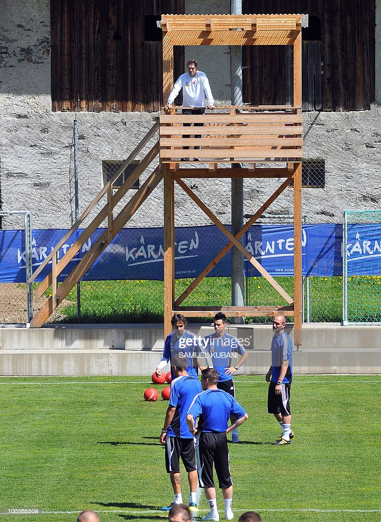 Slovakian national football team head coach Vladimir Weiss (top) watches players train on May 24, 2010 at their camp in Bad Kleinkirchheim ahead of the 2010 FIFA World Cup in South Africa.