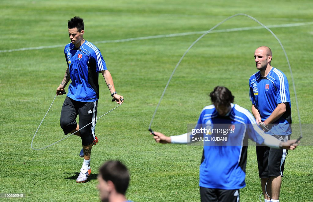 Slovakian national football team players Marek Mamsik (L), Robert Vittek (R) and Jan Kozak (C) train on May 24, 2010 at the team's camp in Bad Kleinkirchheim ahead of the 2010 FIFA World Cup in South Africa.