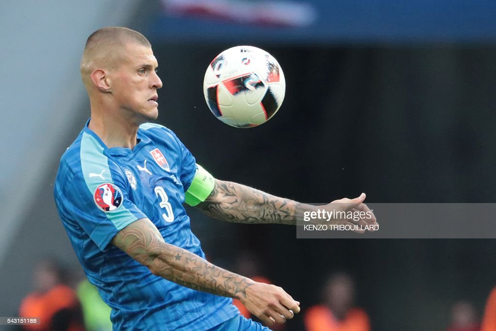 Slovakia's defender Martin Skrtel controls the ball during the Euro 2016 round of 16 football match between Germany and Slovakia at the Pierre-Mauroy stadium in Villeneuve-d'Ascq near Lille on June 26, 2016. / AFP / KENZO