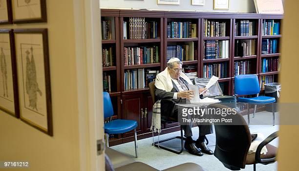 ST/Barmitzvah Date Kevin Clark/The Washington Post Neg # clarkk204725 Washington DC Lester Tenny a WWII vet and survivor of the Bataan Death March...