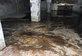 Flooding of the basement due to clogging of the sewer condominium exhaust system