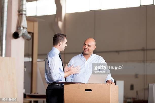 Homme d'affaires en petit comité et Conseiller financier