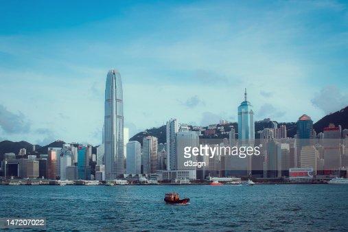Small Chinese boat sailing