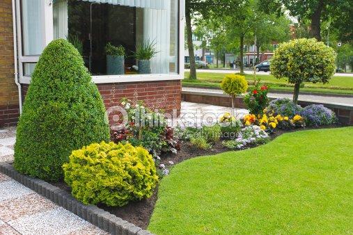 Petit jardin devant la maison n erlandaise paysbas photo for Petit jardin devant maison