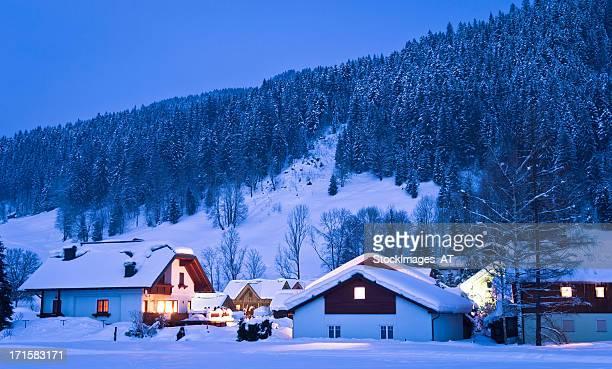 Kleine Häuser im winter wonderland
