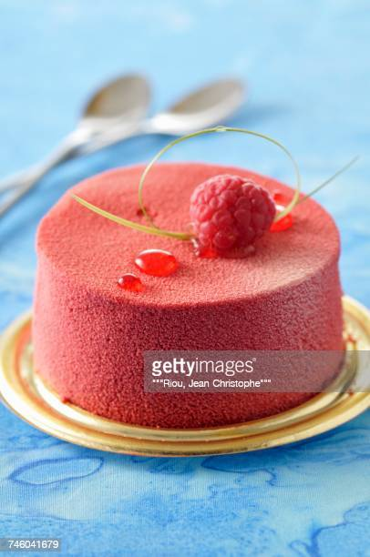 Small raspberry mousse cake